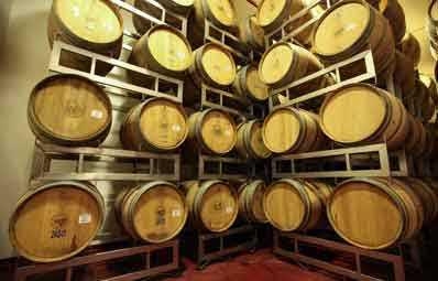 אחסון יינות